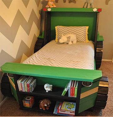 Traktoros ágy könyvespolccal